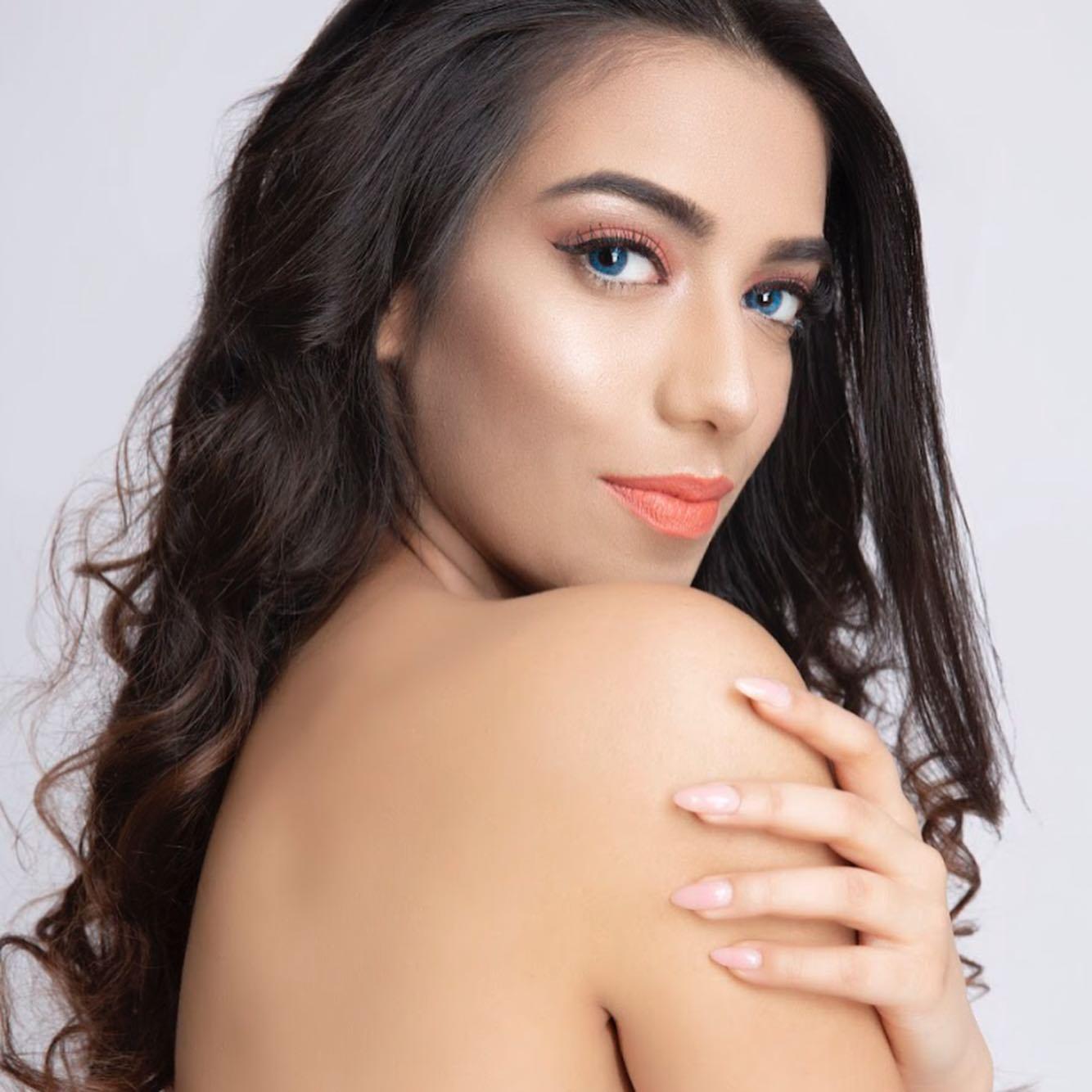 Aina Qureshi, Rawalpindi girl, is crowned Miss Pakistan World