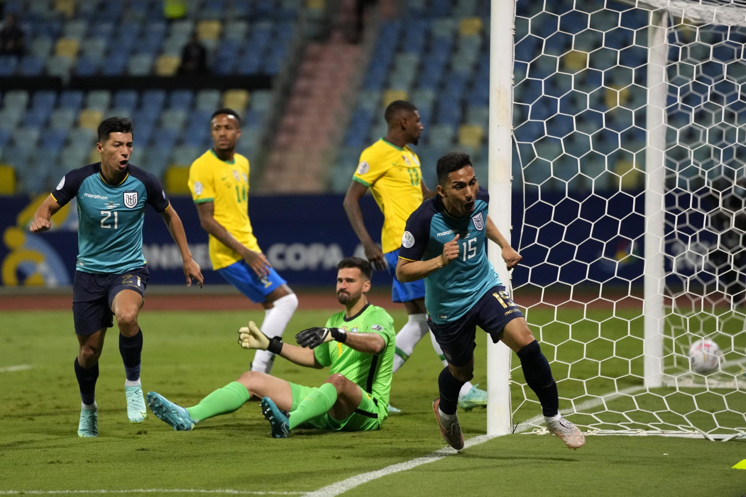 Ecuador qualifies to the Copa America quarterfinals after a 1-1 tie with Brazil.