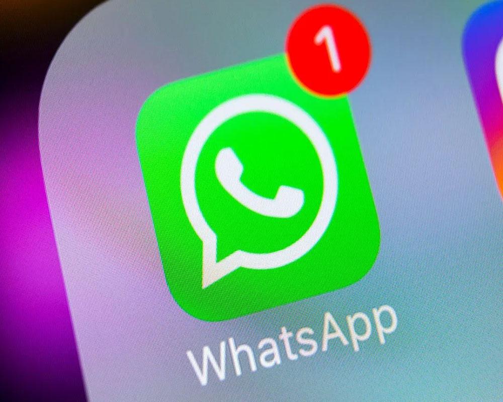WhatsApp (WA)