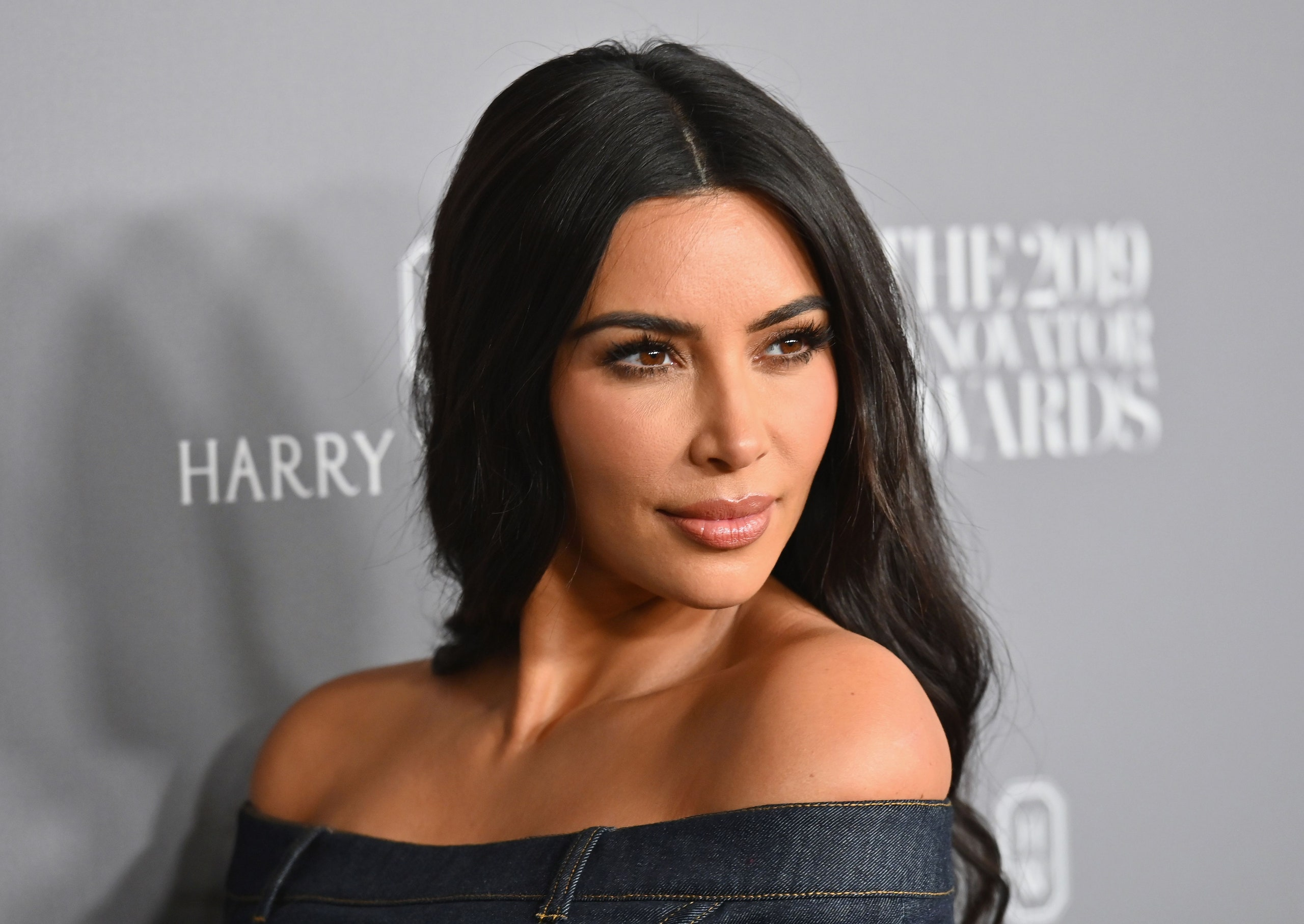 Kim Kardashian is struggling to keeppeace with Kanye West