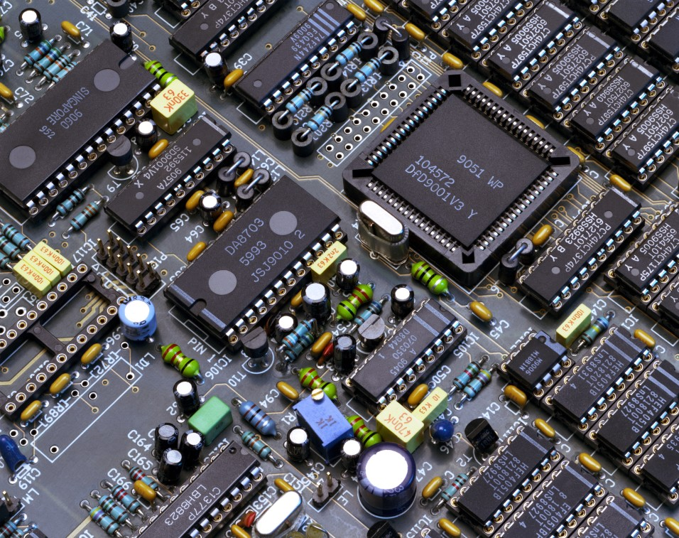 Punjab Government Will Fund Microchip Design Centers at 8 Universities — File/Photo Newsline.pk